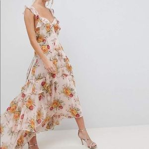 Tall ruffle maxi dress. Rose print.